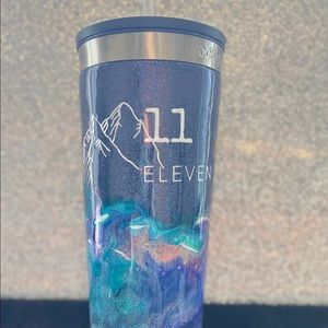 Mixed colour insulated cup